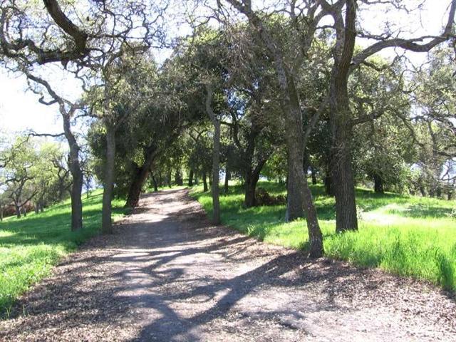 Belgatos Park on Trail