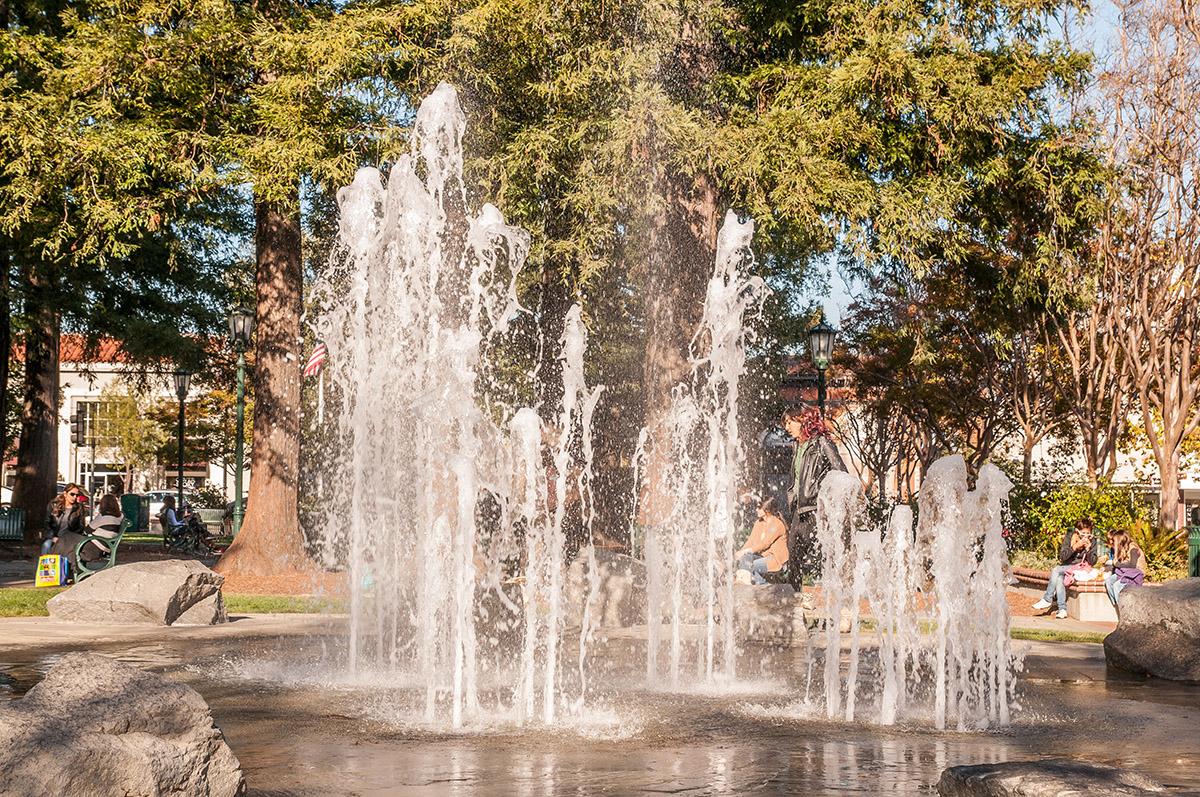 Town Plaza Park fountain - Photos of Los Gatos