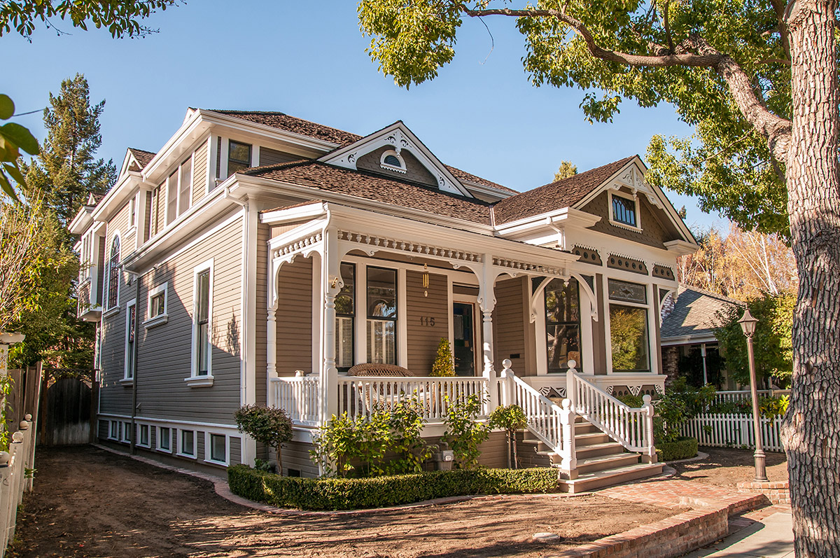 Victorian style house in Los Gatos - How old are the oldest houses in Los Gatos and nearby?