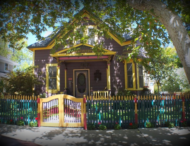 3 Colorful Broadway home 650x500 - The historic Broadway area neighborhood in Los Gatos