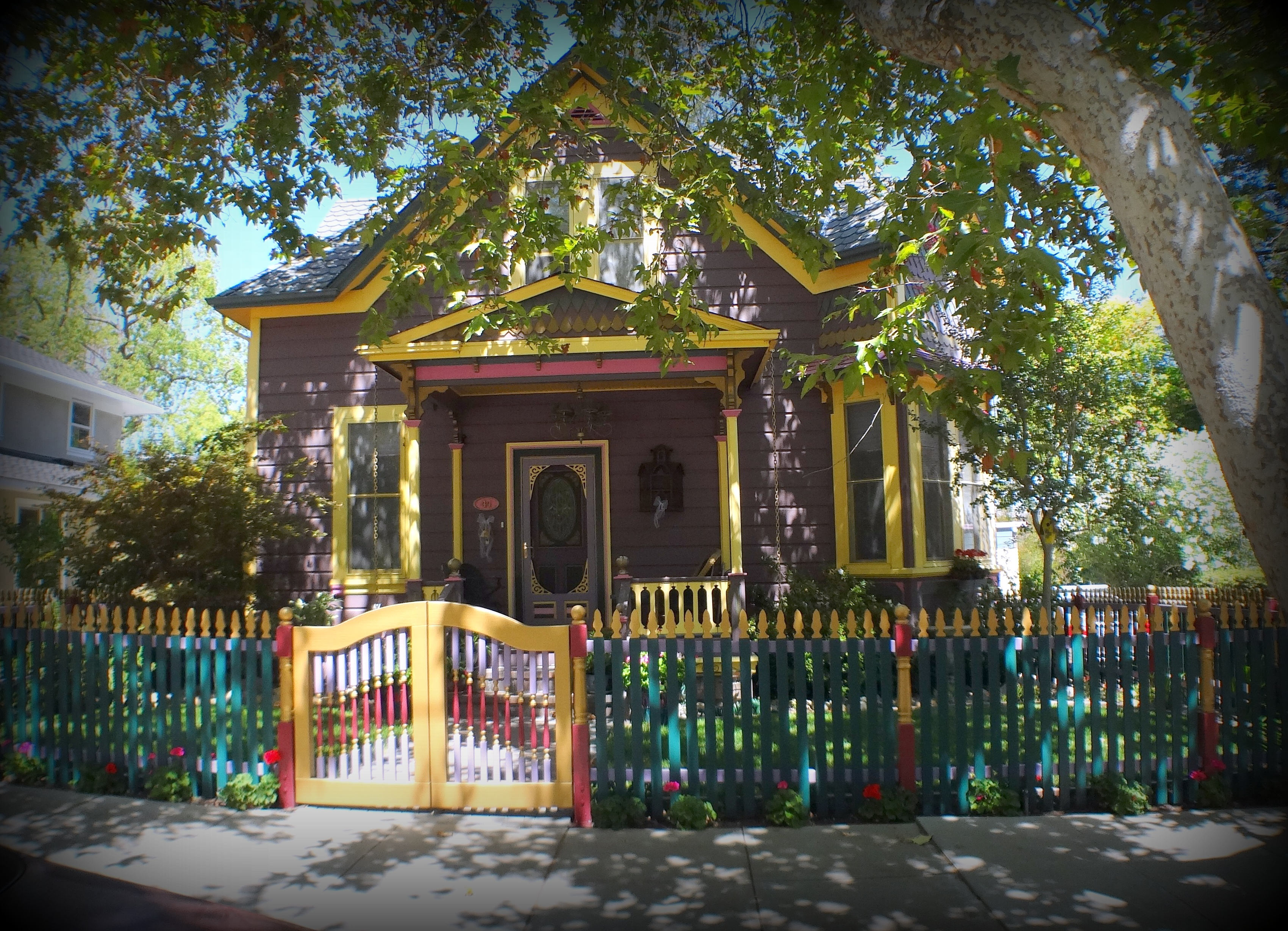 3 Colorful Broadway home - The historic Broadway area neighborhood in Los Gatos
