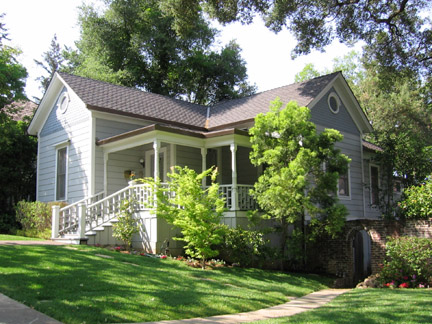 7 Home on Broadway - The historic Broadway area neighborhood in Los Gatos