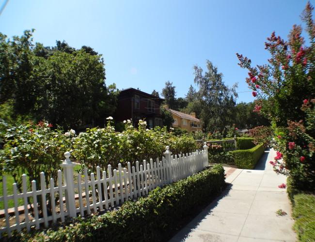 9 Sidewalk view 650x500 - The historic Broadway area neighborhood in Los Gatos