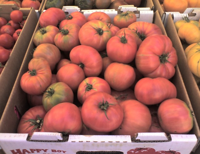 Tomatoes 650x500 - Visit the Los Gatos Farmer's Market!