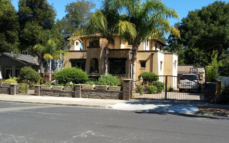San Benito Way house