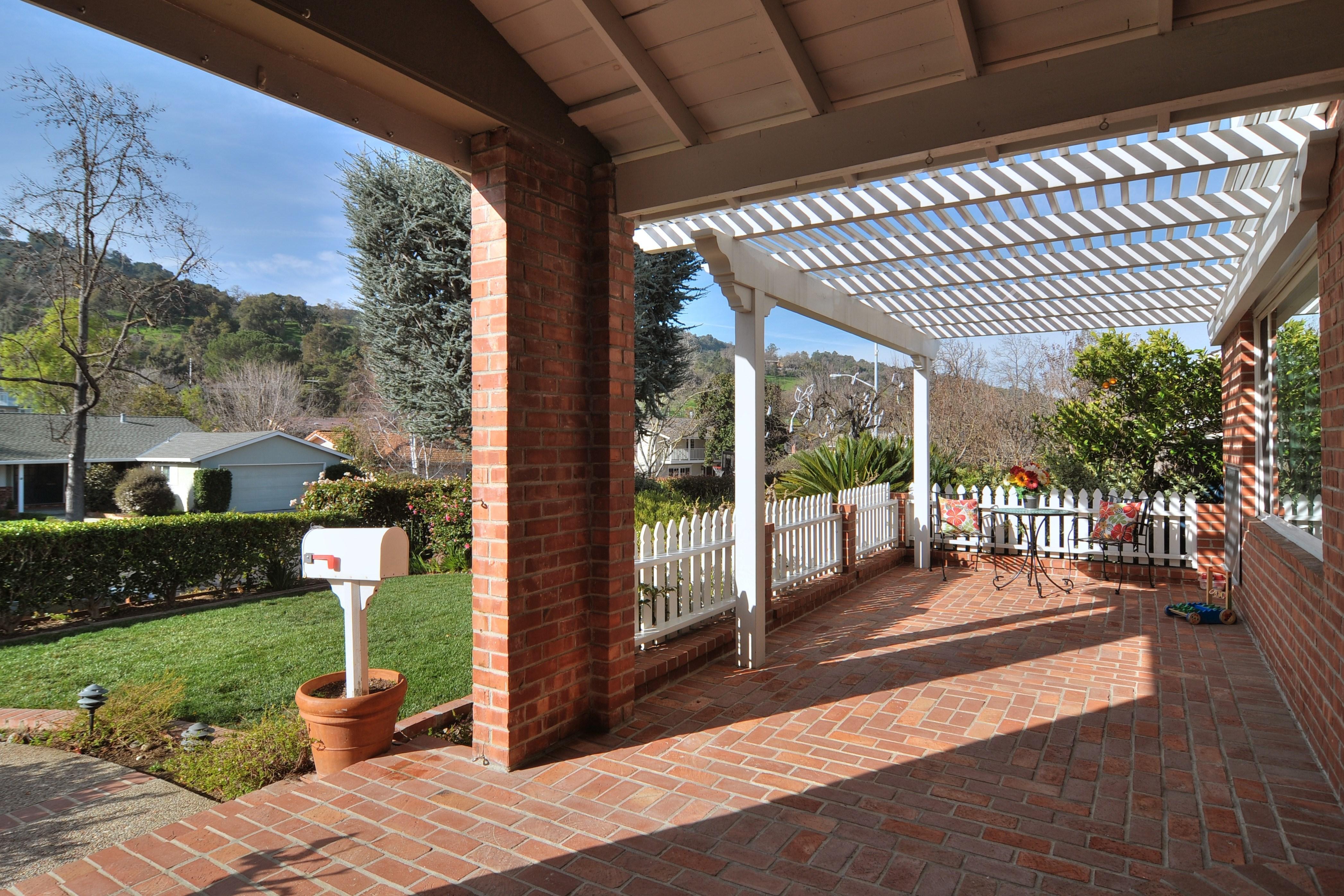 004 Front Porch - Exquisite, expansive, remodeled Belwood home - 127 Belhaven Drive, Los Gatos