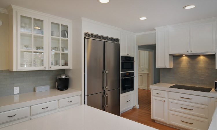 006 Kitchen 750x450 - Exquisite, expansive, remodeled Belwood home - 127 Belhaven Drive, Los Gatos