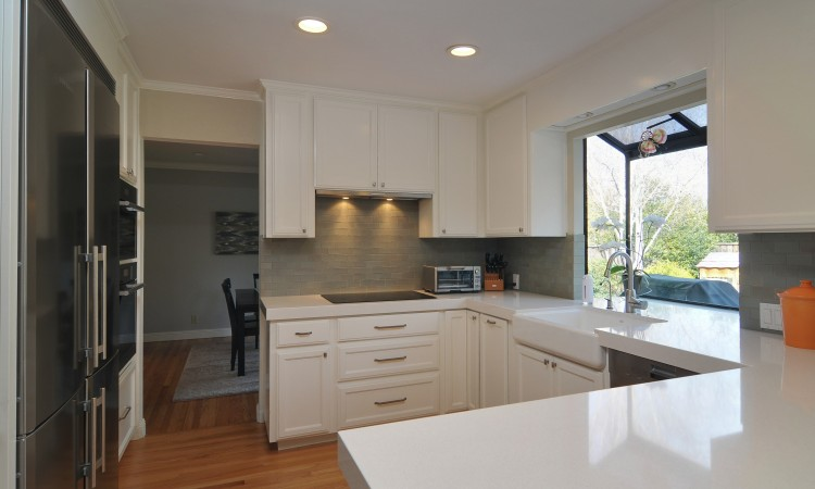 007 Kitchen 2 750x450 - Exquisite, expansive, remodeled Belwood home - 127 Belhaven Drive, Los Gatos