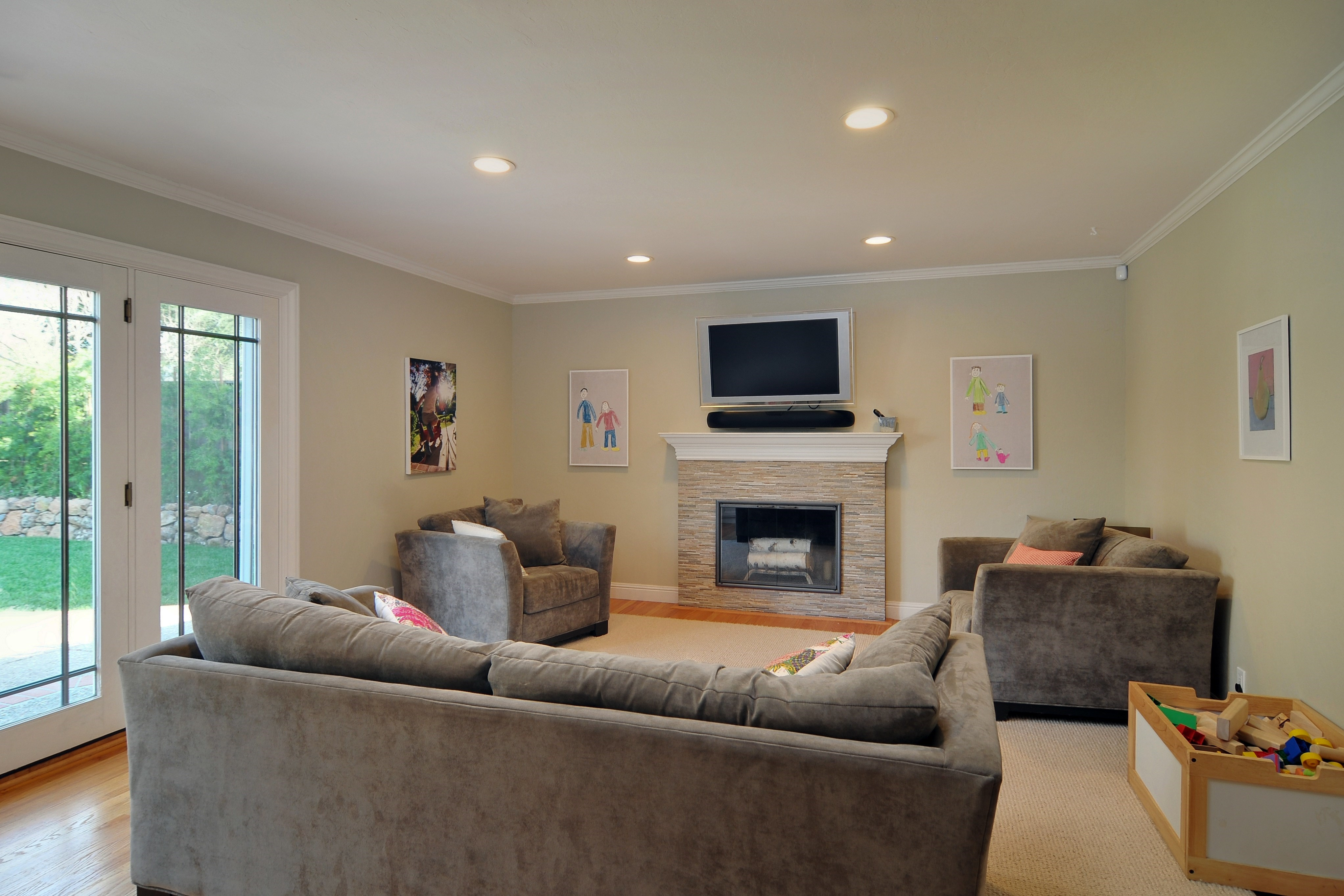 011 Family Room - Exquisite, expansive, remodeled Belwood home - 127 Belhaven Drive, Los Gatos
