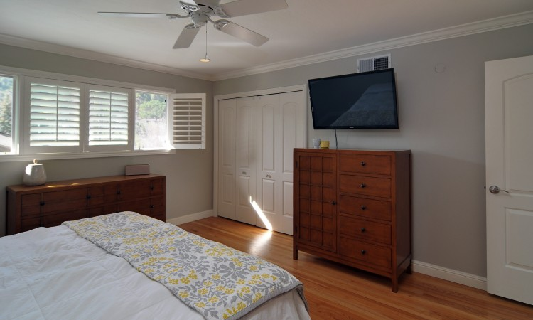 016 Master Bedroom 2 750x450 - Exquisite, expansive, remodeled Belwood home - 127 Belhaven Drive, Los Gatos