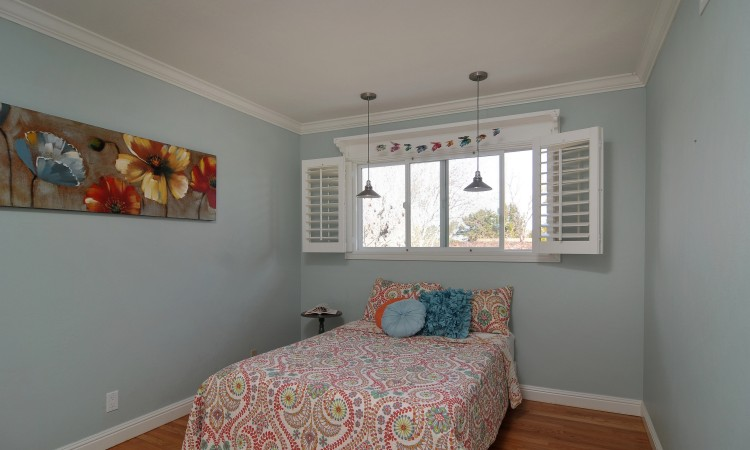 021 Bedroom 4 750x450 - Exquisite, expansive, remodeled Belwood home - 127 Belhaven Drive, Los Gatos