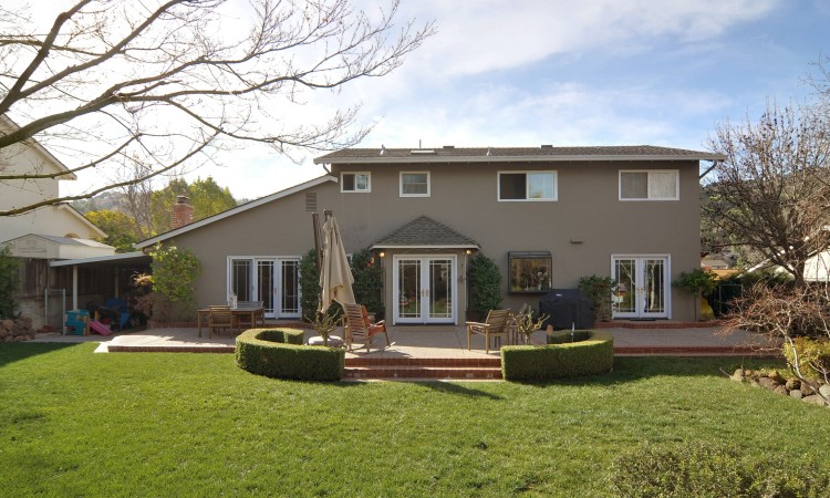 027 Yard and Patio 750x450 - Exquisite, expansive, remodeled Belwood home - 127 Belhaven Drive, Los Gatos