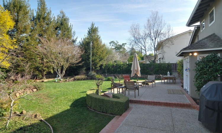 031 Backyard 750x450 - Exquisite, expansive, remodeled Belwood home - 127 Belhaven Drive, Los Gatos