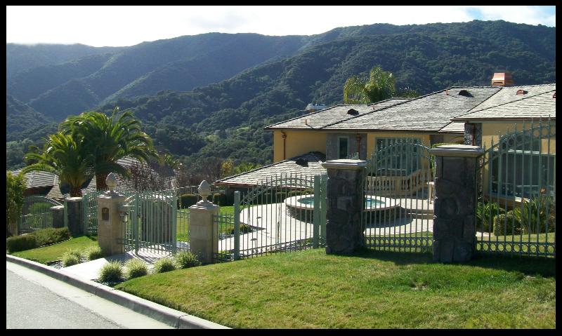 Sierra Azule home and view