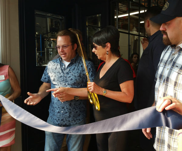Ribbon cutting time at Loma Brewing Company