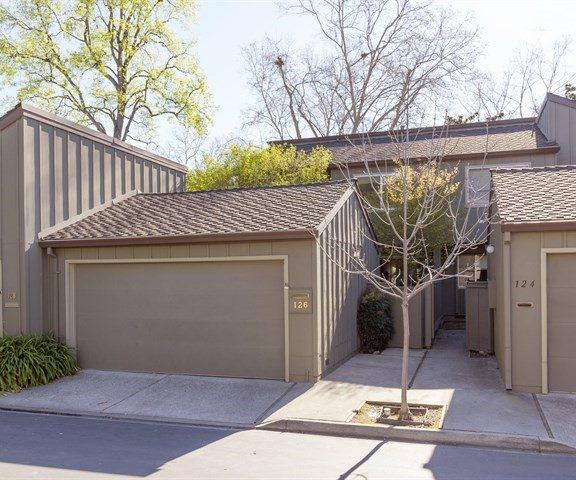 126 Charter Oaks Circle Garage & Front